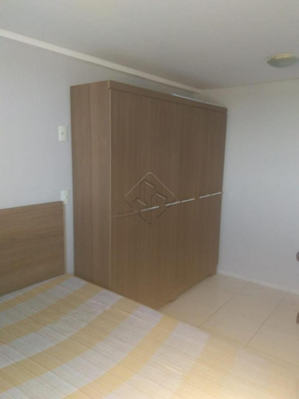 Características:  Quarto Sala  WC social Cozinha  Área de serviço  Vaga de garagem Condomínio possui piscina, sauna e churrasqueira