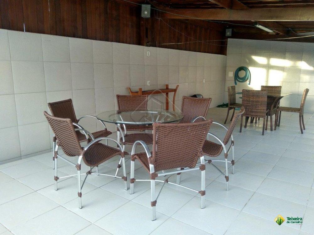 Características:  - 4 Suítes  - 2 salas  - 2 WC Social  - Cozinha  - Área de serviço  - 4 vagas de garagem  - Armários projetados  - Área privativa de 510m²  Casa com 04 Suítes no Altiplano Cabo Branco  Casa 510m² de áreas construída, bem localizada próximo ao Cartório Eunapio Torres, no melhor do Altiplano Cabo Branco.   AGENDE SUA VISITA!  TEIXEIRA DE CARVALHO IMOBILIÁRIA   CRECI 304J - (83) 2106-4545