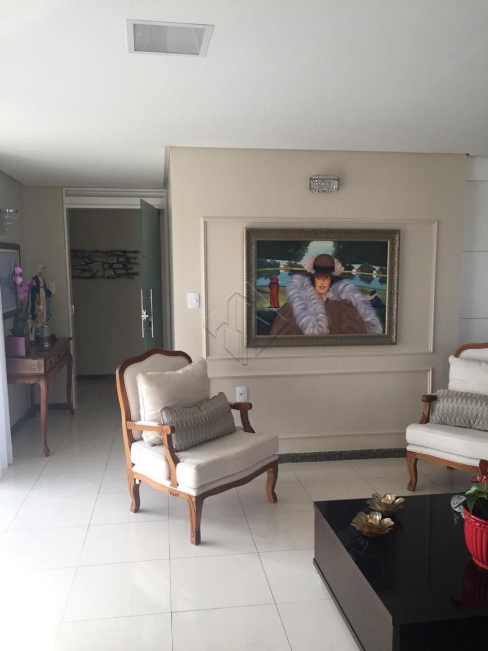 Apartamento situado a aproximadamente 250 metros da praia.  Características do imóvel:  * 03 dormitórios, sendo 03 suítes, * Sala de jantar, * Sala de estar, * 03 Varandas, * Cozinha ampla, * Moveis projetados,  * Dependência completa, * Área de serviço, * 01 apartamento por andar, com 225 m² de área adicionado o hall.   - Prédio com 2 elevadores (um social e um panorâmico) e área de lazer completa.   AGENDE AGORA SUA VISITA TEIXEIRA DE CARVALHO IMOBILIÁRIA CRECI 304J - (83) 2106-4545