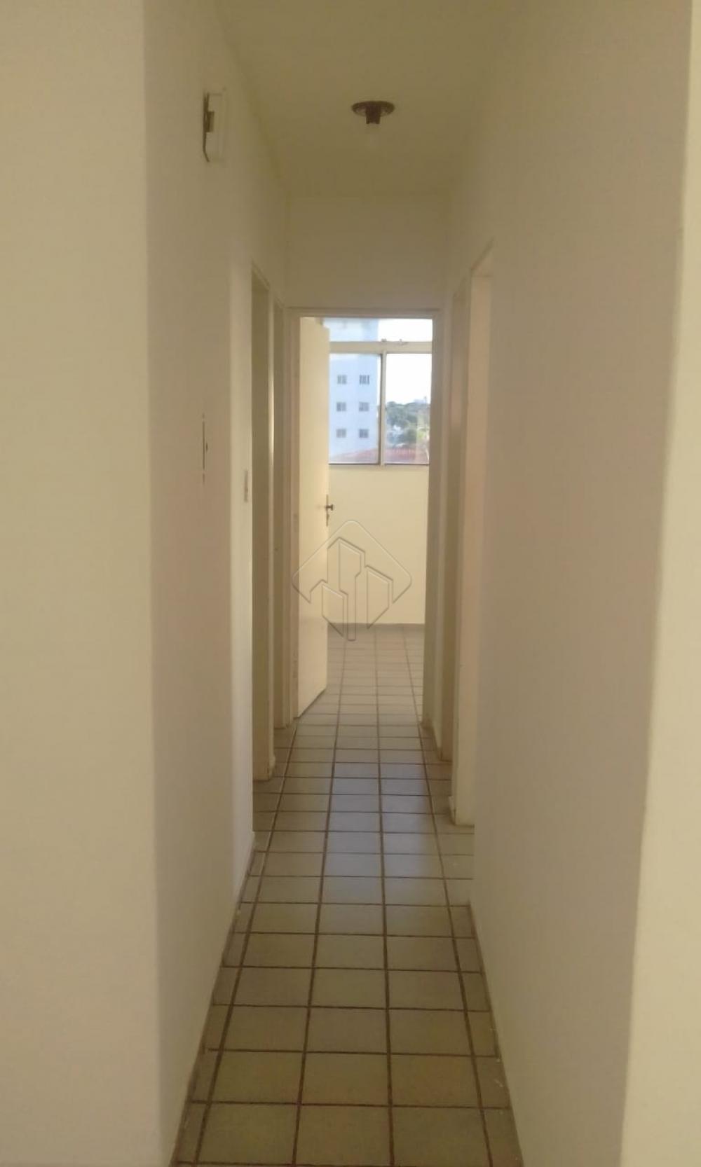 Apartamento para alugar no bairro de Tambauzinho.  Sala com varanda, 3 qtos snd 01 reversivel, wc social, cozinha c/ armários, area de serviço, 1 vaga de garagem.   AGENDE AGORA SUA VISITA TEIXEIRA DE CARVALHO IMOBILIÁRIA CRECI 304J - (83) 2106-4545