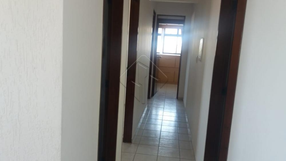 Uma excelente oportunidade a beira mar!  O imóvel possui:  - 03 quartos, sendo 3 suítes - com armários projetados - 05 banheiros - Sala de jantar - Sala de estar - Varanda - Dormitório de serviço - Banheiro de serviço  O prédio possui:  - Piscina - Salão de festas - Elevador    AGENDE AGORA SUA VISITA TEIXEIRA DE CARVALHO IMOBILIÁRIA CRECI 304J - (83) 2106-4545