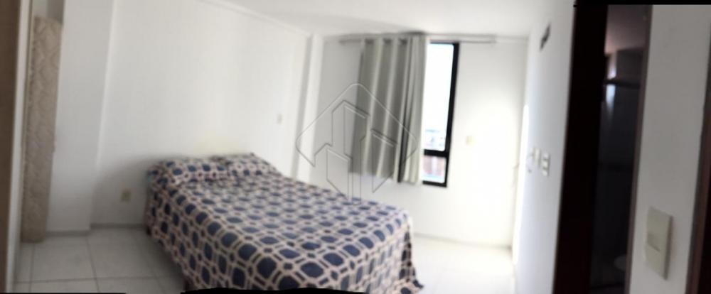 Oportunidade perfeita para quem deseja morar no Bessa a 100 metros do mar com uma vista privilegiada.  O imóvel possui:  * 02 quartos, sendo 1 suítes; * 01 banheiros; * Sala de jantar; * Sala de estar; * Menos de 100m da praia; * Área de lazer na cobertura;  AGENDE AGORA SUA VISITA TEIXEIRA DE CARVALHO IMOBILIÁRIA CRECI 304J - (83) 2106-4545