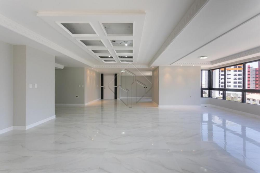 Apartamento alto padrão  Sendo 282 metros quadrados , 4 suítes dependência de empregada todo reformado, vaga na garagem que acomoda de 3 a 4 carros.  AGENDE AGORA SUA VISITA TEIXEIRA DE CARVALHO IMOBILIÁRIA CRECI 304J - (83) 2106-4545