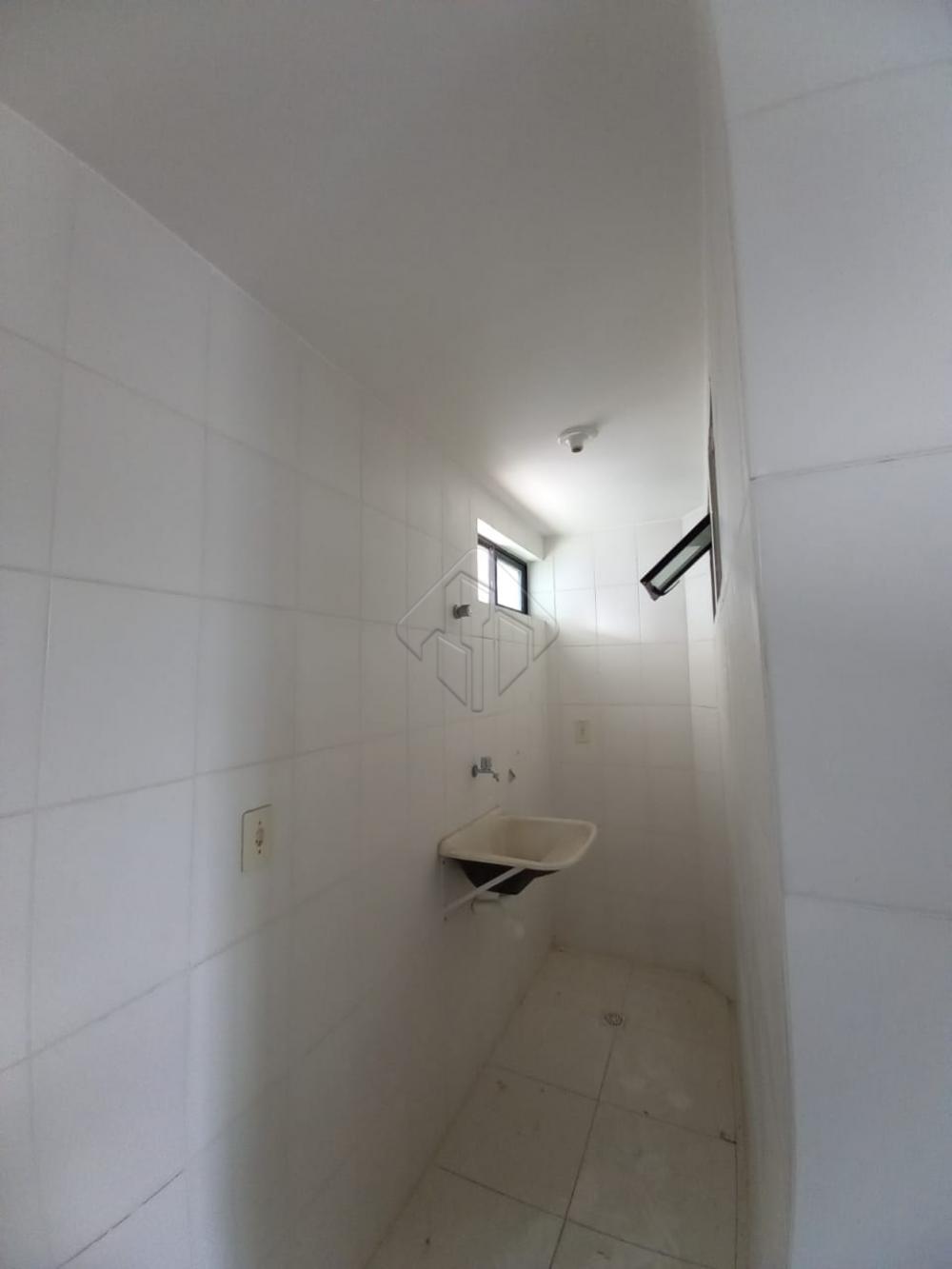 Apartamento localizado no bairro Jardim Cidade Universitária, medindo, 54,69m², com dois quartos,  sendo um suíte,  wc social, sala de estar/jantar,  cozinha com projetados e área de serviço. Uma vaga de garagem, prédio sob pilotis. Posição Nascente, excelente ventilação, próximo a USF( UNIDADE SAÚDE DA FAMÍLIA), supemercados, parada de ônibus, escolas,restaurantes!  AGENDE AGORA SUA VISITA TEIXEIRA DE CARVALHO IMOBILIÁRIA CRECI 304J - (83) 2106-4545