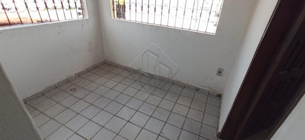 Casa Duplex, muito bem localizado no bairro do Brisamar.  Características:  2 Quartos (1 suíte) Sala de jantar Sala de estar Varanda Banheiro social  Cozinha  Área de serviço 01 vaga de garagem   AGENDE AGORA SUA VISITA TEIXEIRA DE CARVALHO IMOBILIÁRIA CRECI 304J - (83) 2106-4545