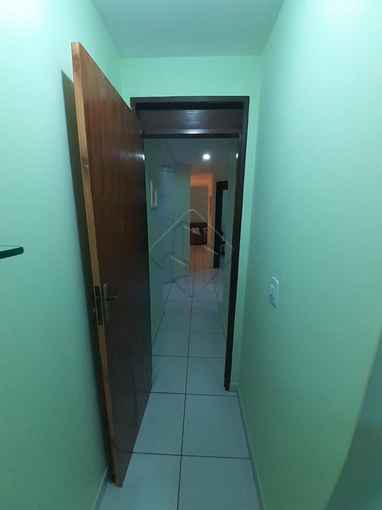 Excelente apartamento no bairro do Bancários.  Apartamento com 88,95m², posição nascente sul, com excelente acabamento.  - 3 quartos/1 suíte;  - WC Social; - Sala para 2 ambientes; - Cozinha com armários; - Área de serviço.  Pega o telefone, e nos liga!  AGENDE AGORA SUA VISITA TEIXEIRA DE CARVALHO IMOBILIÁRIA CRECI 304J - (83) 2106-4545