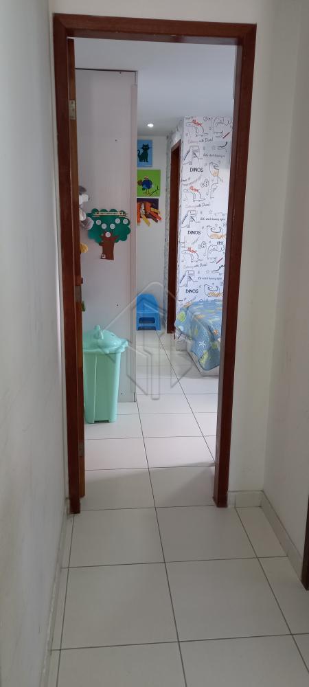 Apartamento localizado no bairro de Tambaúzinho, próximo ao Espaço Cultural, Comércios , academias, colégios e com fácil acesso as principais venidas da capital paraibana.  O apartamento conta com:  -1130 ² -Sala -3 Quartos, sendo duas suítes -WC social -Cozinha com móveis projetados -DCE completa -2 Vagas de garagem  O condomínio possui:  -Piscina -Salão de festas -Churrasqueira -Pátio -Brinquedoteca  Marque agora mesmo uma visita e aproveite os melhores momentos com a sua família de casa nova!  AGENDE AGORA SUA VISITA TEIXEIRA DE CARVALHO IMOBILIÁRIA CRECI 304J - (83) 2106-4545