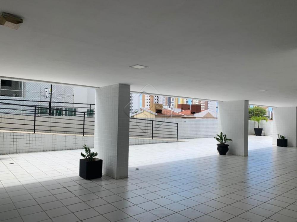 Apartamento localizado no bairro do Manaíra, próximo de comércios, restaurantes, Shoppings e diversos pontos turísticos que facilitam a sua vida, sem falar que fica a poucos minutos da praia.  O apartamento conta com:  -99 m² -Sala para dois ambientes -3 Quartos, sendo uma suíte -2 WC sociais -Cozinha -Área de seviço -Varanda -2 Vagas de garagem -Posição nascente Norte  O condomínio possui:  -Água Inclusa -Elevador -Salão de festas -Espaço kids -Piscina -Espaço Fitness -Salão de jogos  Marque agora mesmo uma visita e aproveite os melhores momentos com a sua família de casa nova!  AGENDE AGORA SUA VISITA TEIXEIRA DE CARVALHO IMOBILIÁRIA CRECI 304J - (83) 2106-4545