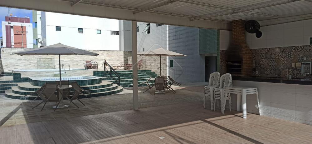 Apartamento localizado no primeiro andar do edifício Estoril no Bairro do Jardim Oceania há 100 metros da praia.  O Apartamento conta com:  -94 m² -Sala em L -3 Quartos, sendo uma suíte -WC social -Dependência completa -Cozinha com móveis projetados -Nascente Sul  O Edifício possui:  -Piscina infantil -Piscina Adulto -Sauna -Salão de festas -Espaço gourmet -Espaço fitness -2 Elevadores -Portaria eletrônica  Marque agora mesmo uma visita e aproveite os melhores momentos com a sua família de casa nova!  AGENDE AGORA SUA VISITA TEIXEIRA DE CARVALHO IMOBILIÁRIA CRECI 304J - (83) 2106-4545