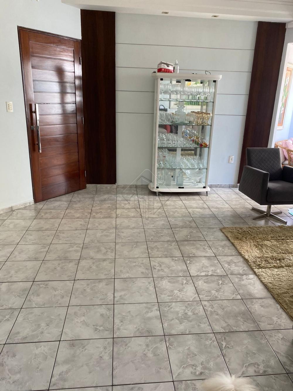 Apartamento localizado no edifício José Lucas de Carvalho no bairro de Tambaú, ótimo lugar para quem procura conforto, comodidade e segurança.  O apartamento conta com:  -108 m² -Sala -4 quartos, sendo 2 suítes -WC social -Cozinha -Móveis progetados -2 varandas -Uma vaga de garagem  O Edifício conta com piscina e salão de festas.  Marque agora mesmo uma visita e aproveite os melhores momentos com a sua família de casa nova!  AGENDE AGORA SUA VISITA TEIXEIRA DE CARVALHO IMOBILIÁRIA CRECI 304J - (83) 2106-4545