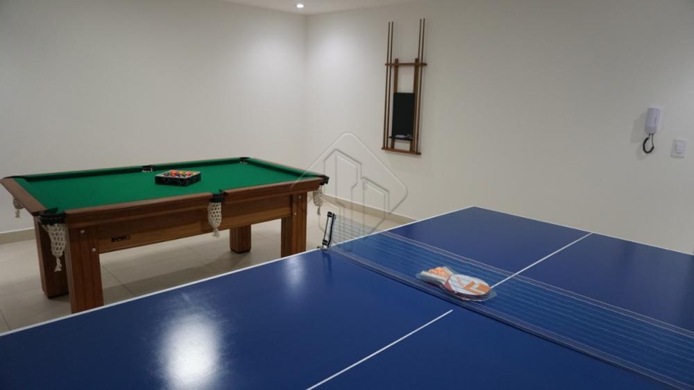 Características do imóvel:  * Sala para 02 (dois) ambientes; * Varanda gourmet; * 02 (dois) quartos, sendo 01 (um) suíte; * Wc social; * Cozinha; * Área de serviço.  Prédio : 22 pavimentos tipo, com 03 apartamentos por andar e 02 elevadores, 03 pavimentos de garagem, e mezanino com lazer completo.   AGENDE AGORA SUA VISITA TEIXEIRA DE CARVALHO IMOBILIÁRIA  CRECI 304J - (83) 2106-4545