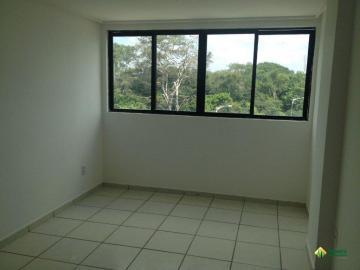 Alugar Apartamento / Padrão em João Pessoa. apenas R$ 750,00