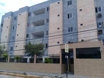 Apartamento / Padrão em João Pessoa Alugar por R$900,00
