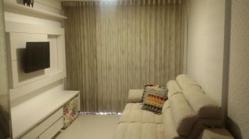 Achamos o apartamento perfeito! Primeiro que ele é de frente ao mar, a vista da sua varanda é perfeita! já imaginou você acordar todos os dias com essa vista?   Espaço? temos sim! E está dividido da seguinte forma:  * 03 quartos, sendo 02 suítes; * Banheiro; * Varanda; * Sala de estar; * Sala de jantar; * Cozinha;  * Área de serviço; - Além desse maravilhoso espaço, temos móveis condições impecáveis por todo o apartamento. Isso mesmo, o apartamento é todo mobiliado, esses detalhes especiais fazem desse imóvel uma perfeição.   No prédio temos piscina, salão de festas, academia e churrasqueira. Pra melhorar a locomoção de todos, temos 02 elevadores.  AGENDE AGORA SUA VISITA TEIXEIRA DE CARVALHO IMOBILIÁRIA CRECI 304J - (83) 2106-4545