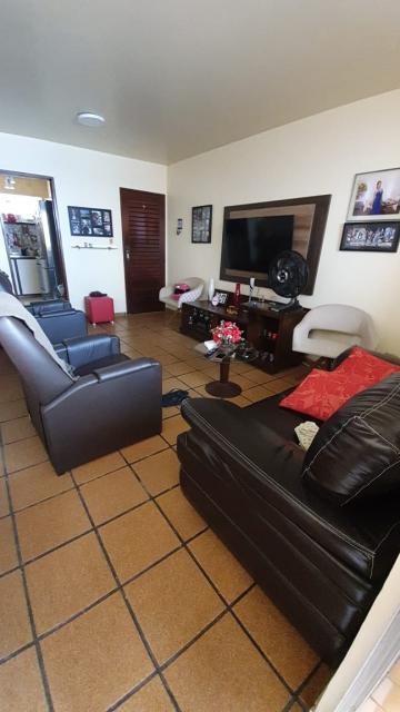 Apartamento / Padrão em João Pessoa , Comprar por R$240.000,00