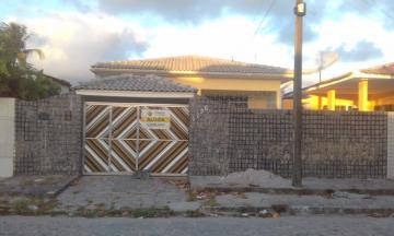 Casa / Padrão em João Pessoa Alugar por R$1.500,00