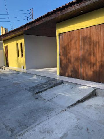 Casa / Padrão em João Pessoa Alugar por R$3.000,00