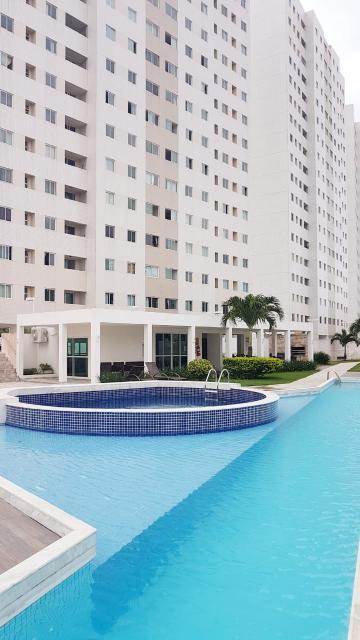 Alugar Apartamento / Padrão em João Pessoa. apenas R$ 320.000,00
