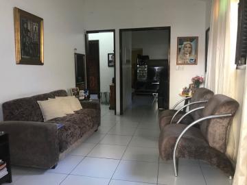 Casa / Padrão em João Pessoa Alugar por R$2.200,00