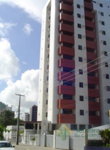 Apartamento / Padrão em João Pessoa Alugar por R$1.700,00
