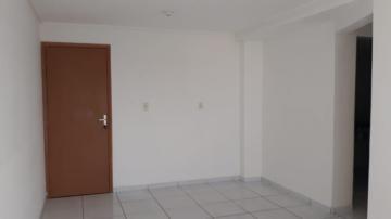 Alugar Apartamento / Padrão em João Pessoa. apenas R$ 800,00