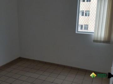 Apartamento / Padrão em João Pessoa Alugar por R$950,00