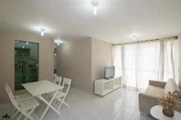 Apartamento / Padrão em Cabedelo , Comprar por R$220.000,00
