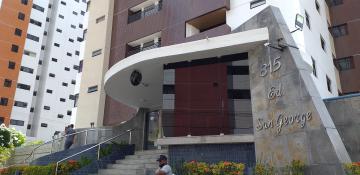 Apartamento com 160m², realmente indescritível, todo reformado. Tem excelentes móveis projetados em todo o apartamento, inclusive na dependência de empregada e na área de serviço, todos bem conservados.  Fica na posição NASCENTE, muito ventilado, com área de lazer no térreo.  Apartamento pronto para morar: - 3 Quartos/1 suíte (quartos com varanda); - WC Social (banheiro com móveis projetados e blindex); - Sala para 2 ambientes (com móveis projetados); - Varanda; - Cozinha (com móveis projetados); - Área de Serviço (com móveis projetados); - Dependência/WC de Serviço (com móveis projetados); - 2 vagas de garagem.  - Piscina; - Área gourmet; - Salão de festa; - Quadra poliesportiva; - 2 elevadores.  AGENDE AGORA SUA VISITA TEIXEIRA DE CARVALHO IMOBILIÁRIA CRECI 304J - (83) 2106-4545
